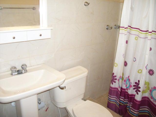 Apartamento Zulia>Maracaibo>5 de Julio - Alquiler:110 Precio Referencial - codigo: 19-2487