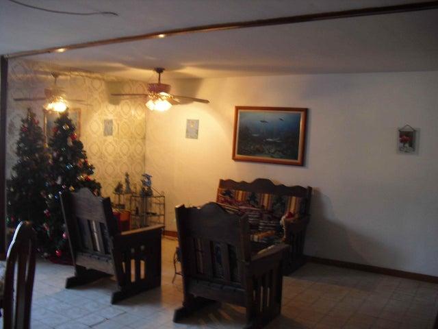Casa Distrito Metropolitano>Caracas>San Bernardino - Venta:69.500 Precio Referencial - codigo: 19-2504