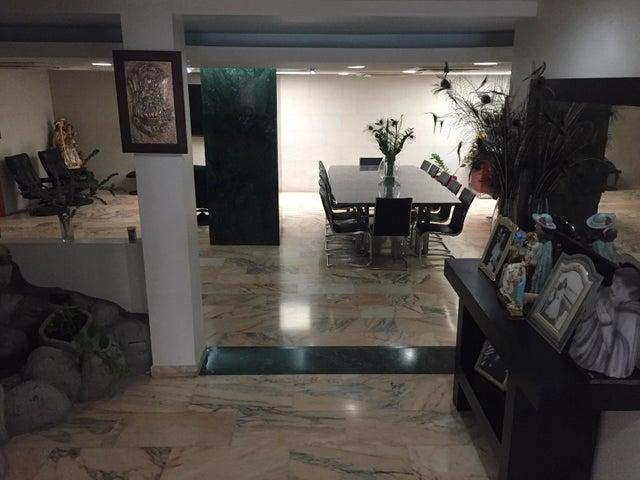 Casa Lara>Barquisimeto>Del Este - Venta:250.000 Precio Referencial - codigo: 19-2499