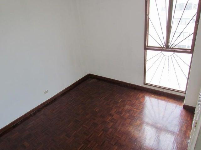 Apartamento Distrito Metropolitano>Caracas>La Boyera - Venta:120.000 Precio Referencial - codigo: 19-2525