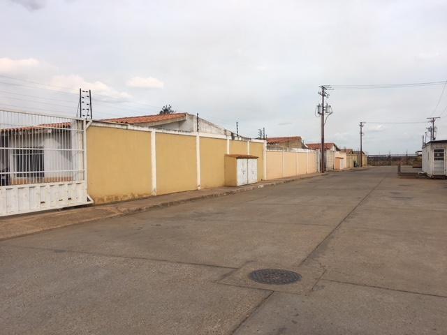 Casa Anzoategui>El Tigre>Sector Avenida Jesus Subero - Venta:25.000 Precio Referencial - codigo: 19-2556