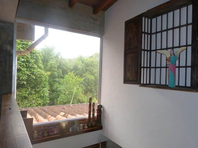 Casa Distrito Metropolitano>Caracas>El Placer - Venta:180.000 Precio Referencial - codigo: 19-2557