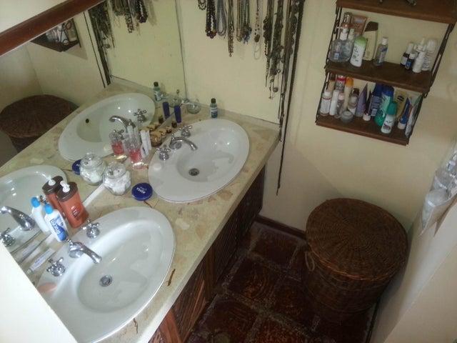 Casa Distrito Metropolitano>Caracas>Gavilan - Venta:100.000 Precio Referencial - codigo: 19-2562