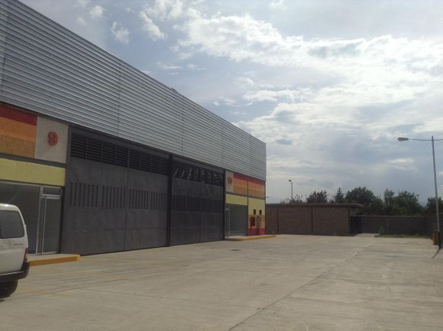 Galpon - Deposito Carabobo>Valencia>Zona Industrial - Venta:650.000 Precio Referencial - codigo: 19-2563