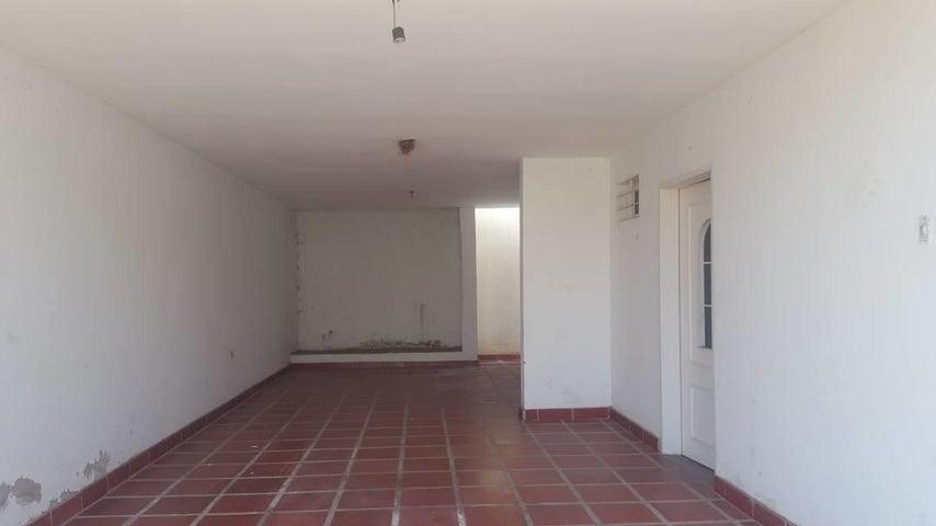 Townhouse Zulia>Ciudad Ojeda>La 'L' - Venta:60.000 Precio Referencial - codigo: 19-2615