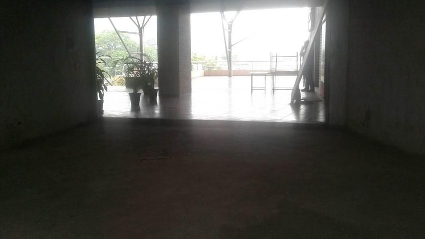 Local Comercial Carabobo>Municipio San Diego>Monteserino - Alquiler:250 Precio Referencial - codigo: 19-2662