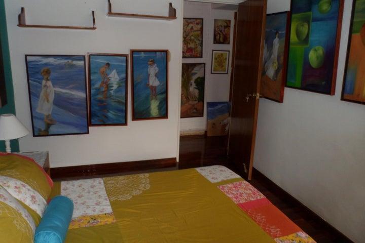 Apartamento Distrito Metropolitano>Caracas>Las Mesetas de Santa Rosa de Lima - Venta:370.000 Precio Referencial - codigo: 19-2724