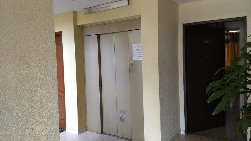 Apartamento Zulia>Maracaibo>Zapara - Venta:19.000 Precio Referencial - codigo: 19-2726