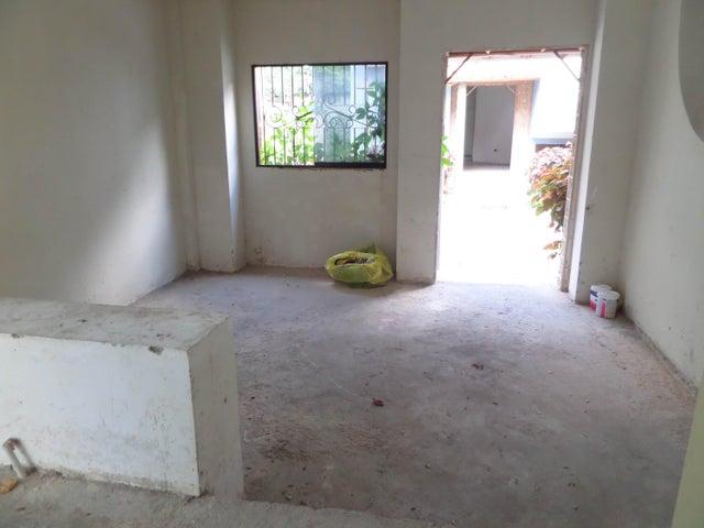 Townhouse Aragua>Maracay>Cantarana - Venta:200.000 Precio Referencial - codigo: 19-2843
