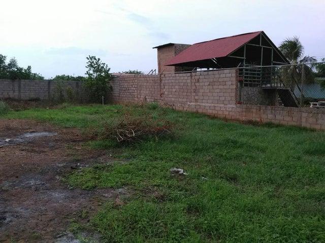 Terreno Zulia>Maracaibo>Los Bucares - Venta:2.000 Precio Referencial - codigo: 19-2954