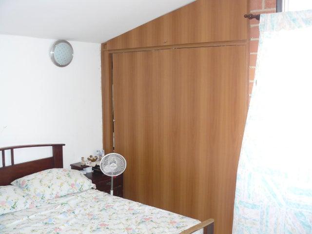 Townhouse Miranda>Guarenas>Nueva Casarapa - Venta:25.000 Precio Referencial - codigo: 19-2948