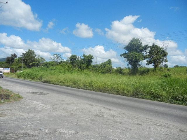 Terreno Miranda>Caucagua>Av General Miguel Acevedo - Venta:85.000 Precio Referencial - codigo: 19-2957