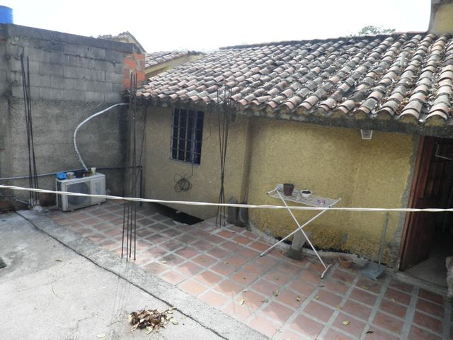 Townhouse Carabobo>Municipio Naguanagua>La Entrada - Venta:23.000 Precio Referencial - codigo: 19-3018