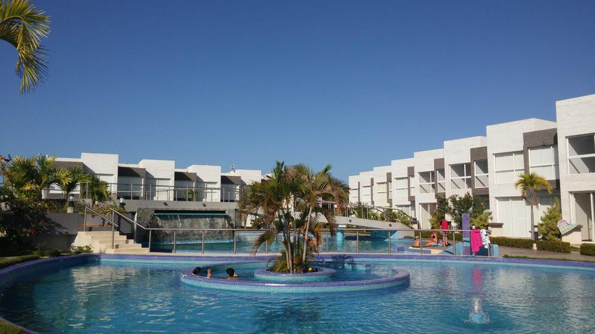 Townhouse Miranda>Higuerote>Puerto Encantado - Venta:129.000 Precio Referencial - codigo: 19-3010