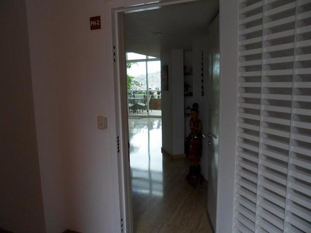 Apartamento Distrito Metropolitano>Caracas>El Rosal - Venta:700.000 Precio Referencial - codigo: 19-3011