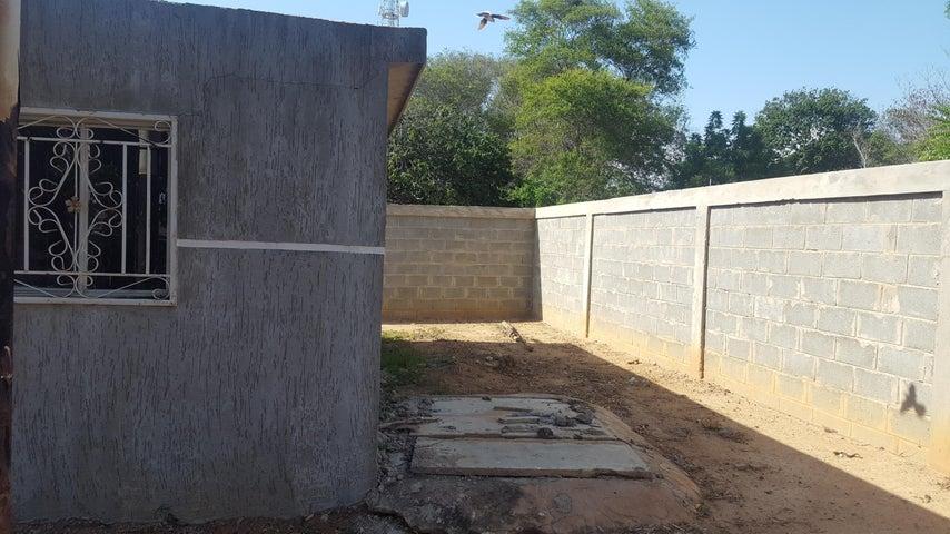 Casa Zulia>Cabimas>Zulia - Venta:5.000 Precio Referencial - codigo: 19-3022