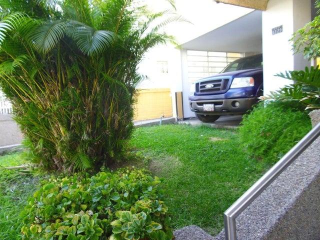 Apartamento Distrito Metropolitano>Caracas>Cumbres de Curumo - Venta:110.000 Precio Referencial - codigo: 19-3085
