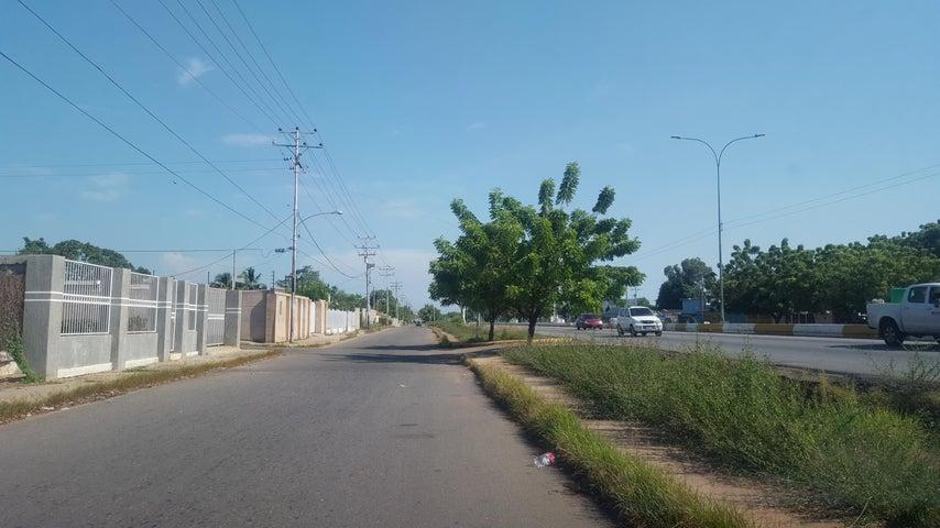 Terreno Zulia>Cabimas>Zulia - Venta:2.900 Precio Referencial - codigo: 19-3097