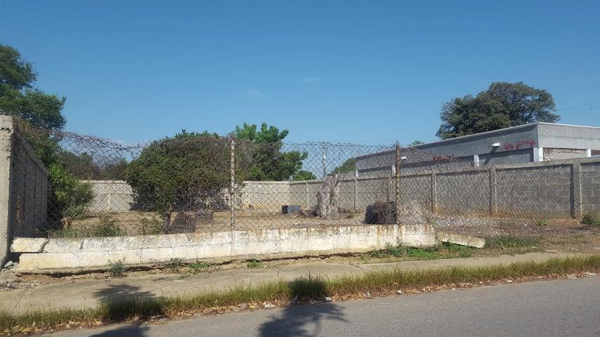 Terreno Zulia>Cabimas>Zulia - Venta:3.500 Precio Referencial - codigo: 19-3109