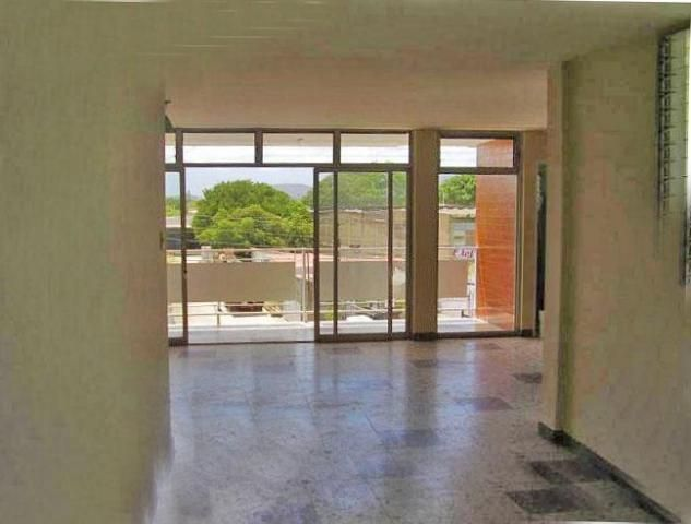 Edificio Falcon>Coro>Avenida Independencia - Venta:100.000 Precio Referencial - codigo: 19-3155
