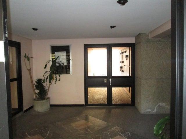 Apartamento Distrito Metropolitano>Caracas>Los Palos Grandes - Venta:95.000 Precio Referencial - codigo: 19-3202