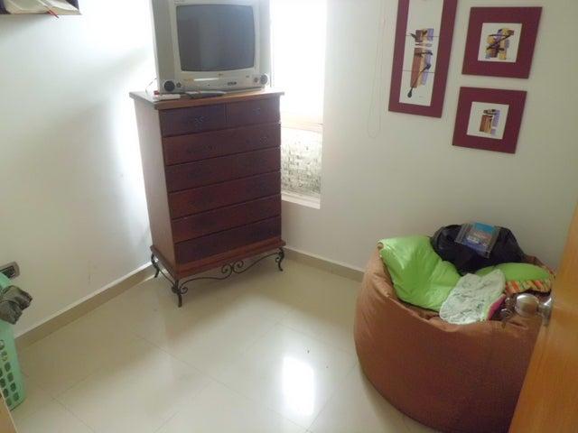 Apartamento Carabobo>Municipio Naguanagua>Palma Real - Venta:90.000 Precio Referencial - codigo: 19-3211