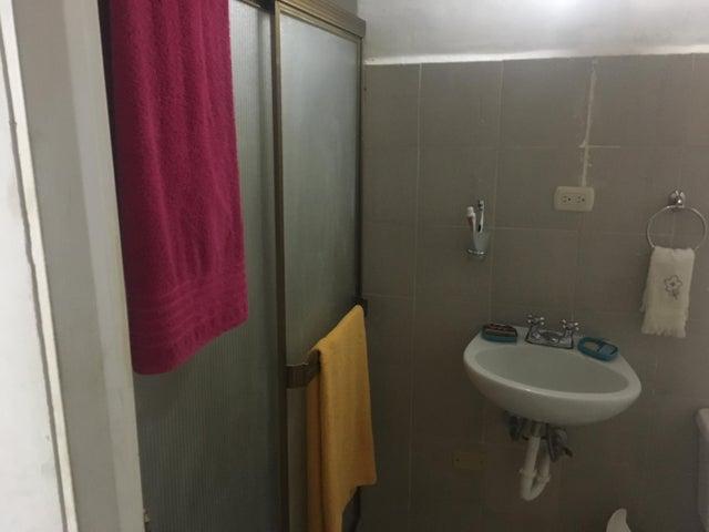 Townhouse Miranda>Guarenas>Nueva Casarapa - Venta:17.500 Precio Referencial - codigo: 19-3219