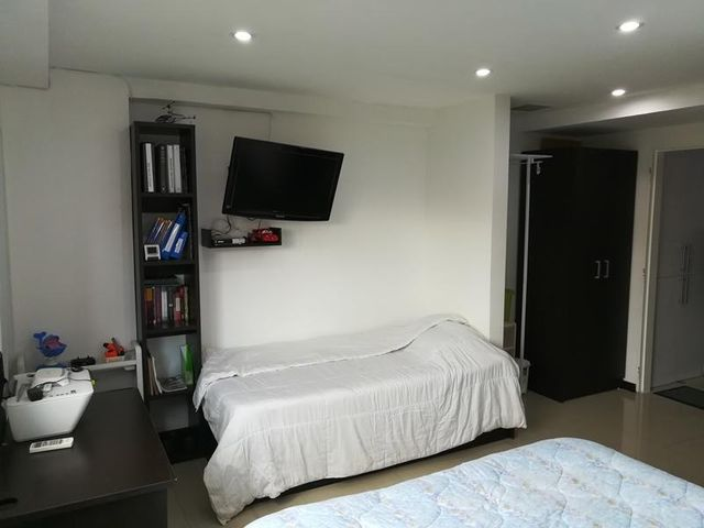 Apartamento Distrito Metropolitano>Caracas>La Boyera - Venta:45.000 Precio Referencial - codigo: 19-3241