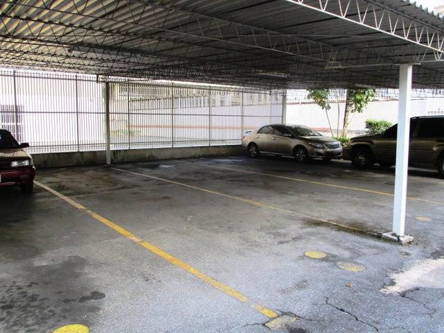 Apartamento Distrito Metropolitano>Caracas>Terrazas del Avila - Venta:70.000 Precio Referencial - codigo: 19-3260
