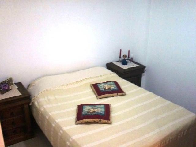 Apartamento Miranda>Higuerote>Puerto Encantado - Venta:30.000 Precio Referencial - codigo: 19-3298