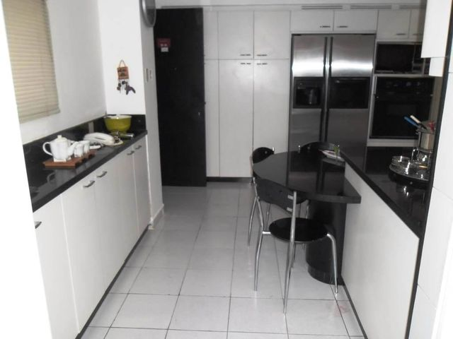 Apartamento Distrito Metropolitano>Caracas>Los Dos Caminos - Venta:400.000 Precio Referencial - codigo: 19-3310