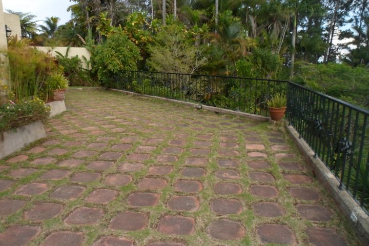 Casa Distrito Metropolitano>Caracas>La Lagunita Country Club - Venta:700.000 Precio Referencial - codigo: 19-3319