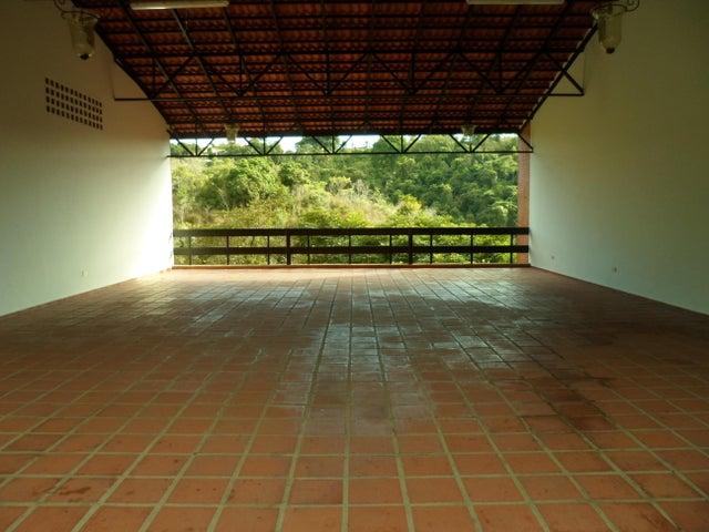 Townhouse Distrito Metropolitano>Caracas>Altos de La Trinidad - Venta:250.000 Precio Referencial - codigo: 19-3321