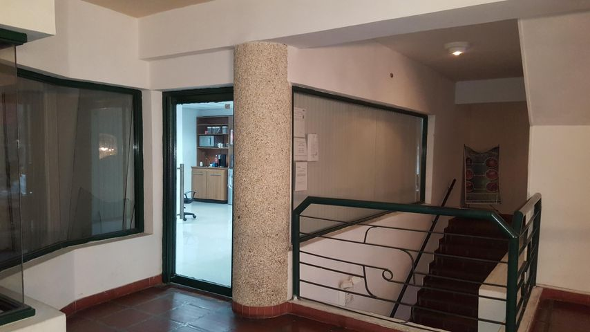Local Comercial Zulia>Cabimas>Carretera H - Venta:25.000 Precio Referencial - codigo: 19-3346