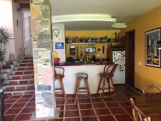 Casa Distrito Metropolitano>Caracas>La Lagunita Country Club - Venta:500.000 Precio Referencial - codigo: 19-3371