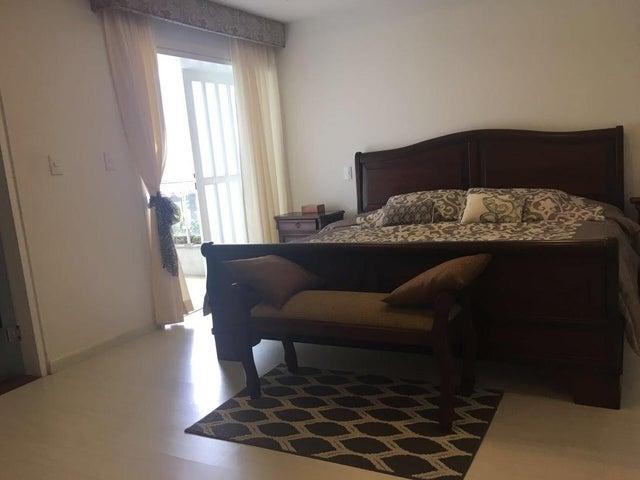 Casa Distrito Metropolitano>Caracas>San Luis - Venta:465.000 Precio Referencial - codigo: 19-3380