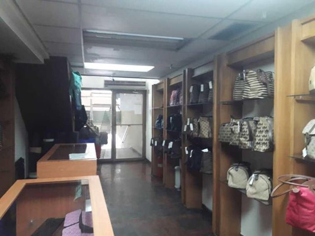 Local Comercial Zulia>Maracaibo>Las Delicias - Venta:12.000 Precio Referencial - codigo: 19-3418