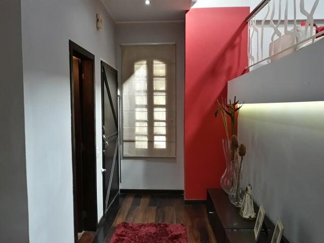 Townhouse Carabobo>Municipio Naguanagua>Manantial - Venta:80.000 Precio Referencial - codigo: 19-3444