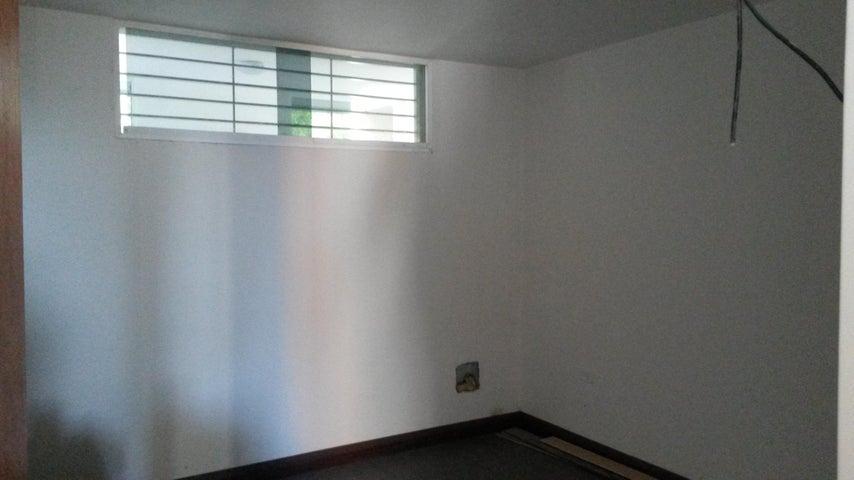 Apartamento Distrito Metropolitano>Caracas>Colinas de La Tahona - Venta:67.000 Precio Referencial - codigo: 19-3510