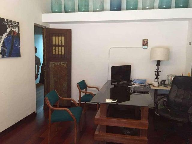 Terreno Zulia>Maracaibo>Circunvalacion Uno - Venta:500.000 Precio Referencial - codigo: 19-3515