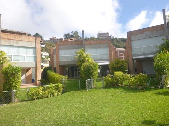 Townhouse Distrito Metropolitano>Caracas>Alto Hatillo - Venta:600.000 Precio Referencial - codigo: 19-3518