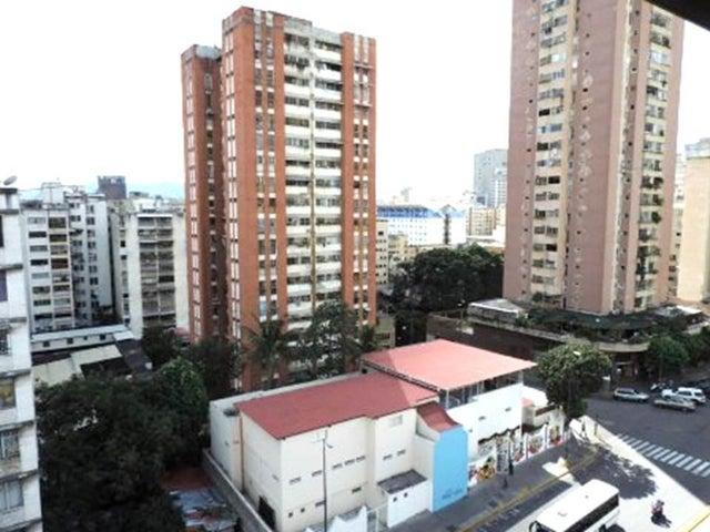 Apartamento Distrito Metropolitano>Caracas>Parroquia San Jose - Venta:30.000 Precio Referencial - codigo: 19-3529