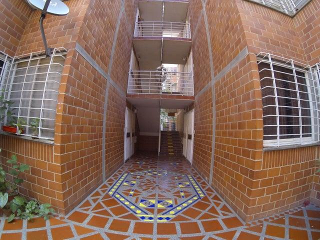 Apartamento Miranda>Guarenas>Terrazas del Este - Venta:10.000 Precio Referencial - codigo: 19-3533