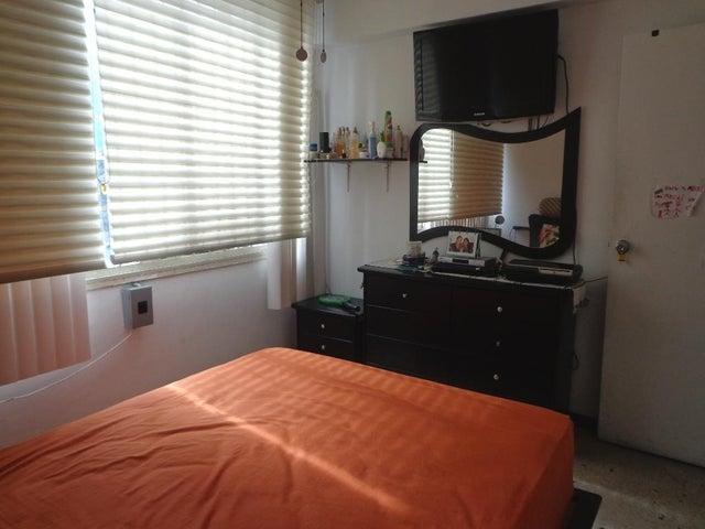 Apartamento Distrito Metropolitano>Caracas>Parroquia La Candelaria - Venta:25.000 Precio Referencial - codigo: 19-3537