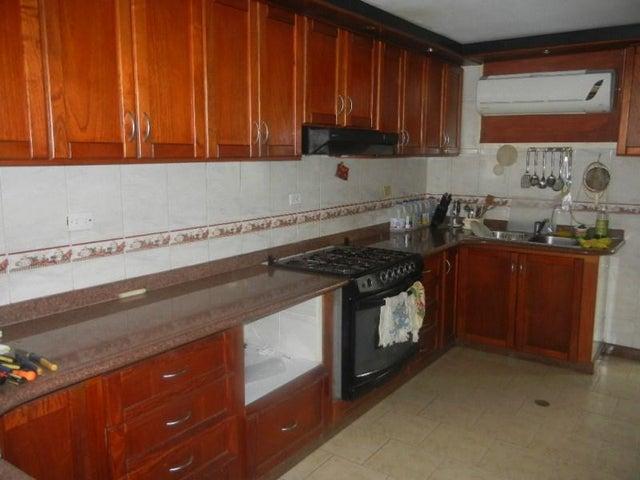 Casa Miranda>Charallave>Colinas de Betania - Venta:65.000 Precio Referencial - codigo: 19-3567