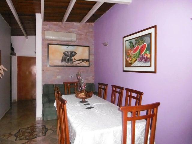 Casa Aragua>Maracay>Santa Rita - Venta:20.000 Precio Referencial - codigo: 19-3589