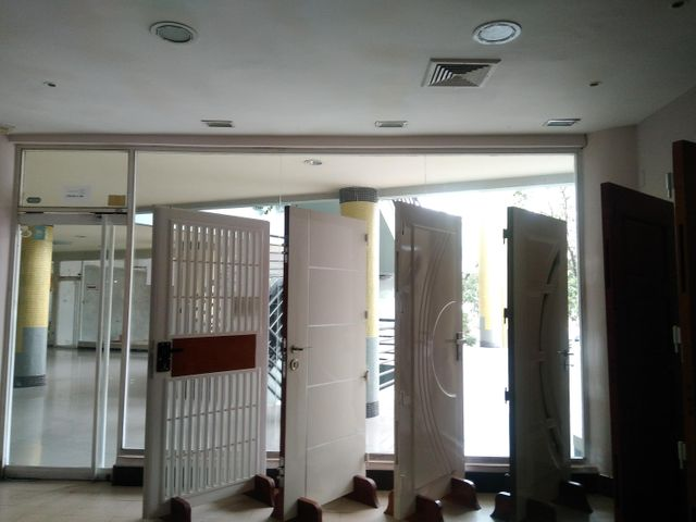Local Comercial Carabobo>Valencia>El Parral - Venta:105.000 Precio Referencial - codigo: 19-3652