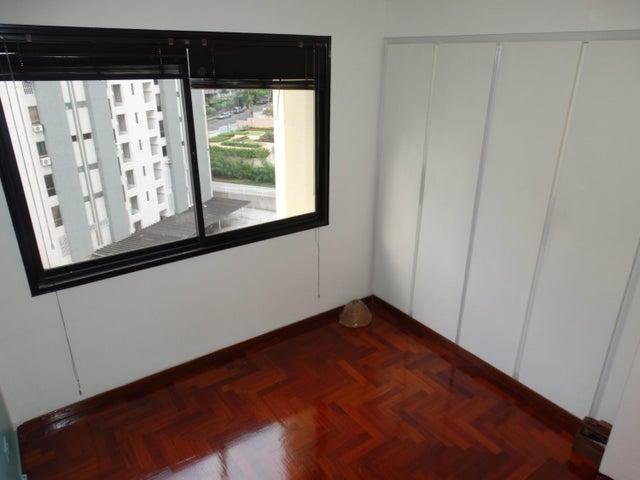 Apartamento Distrito Metropolitano>Caracas>Terrazas del Avila - Venta:150.000 Precio Referencial - codigo: 19-3679