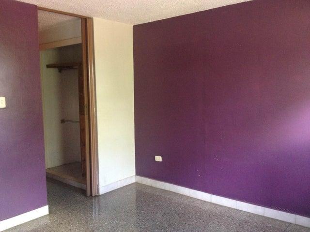 Apartamento Aragua>Cagua>La Haciendita - Venta:8.500 Precio Referencial - codigo: 19-3718