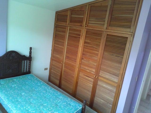 Casa Miranda>San Antonio de los Altos>Potrerito - Venta:50.000 Precio Referencial - codigo: 19-3742